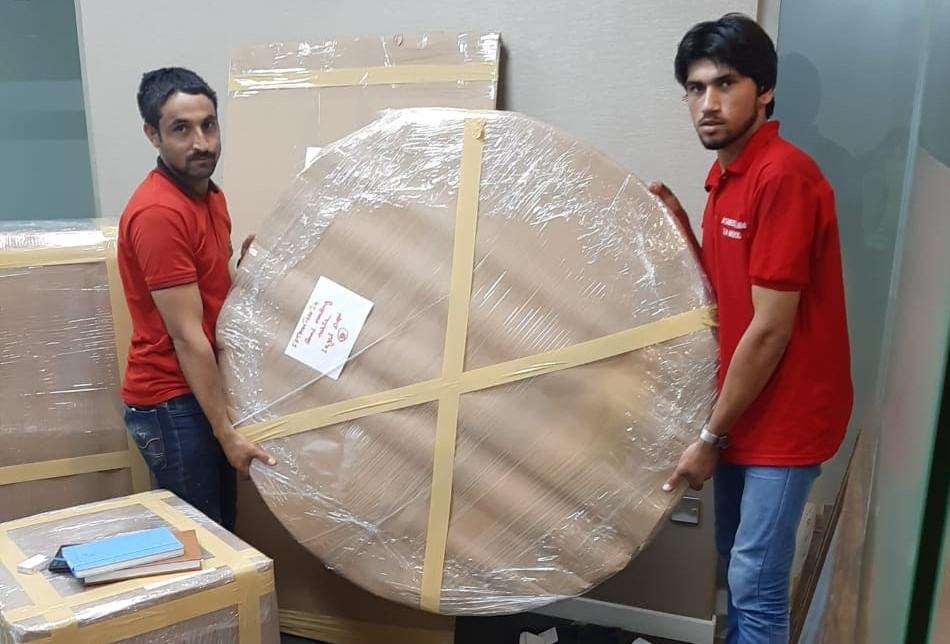 نقل اثاث في دبي